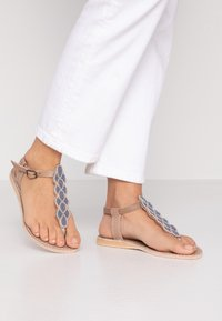 laidbacklondon - HEDDON FLAT - T-bar sandals - light brown/turquoise - 0
