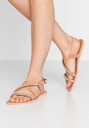 AZARI FLAT - Sandals - light brown/silver
