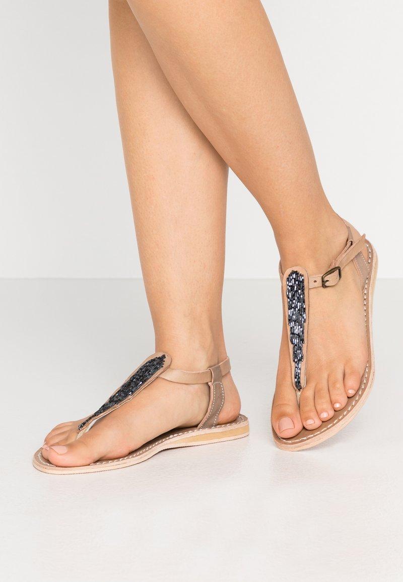 laidbacklondon - LENI FLAT - T-bar sandals - tan/gun metal