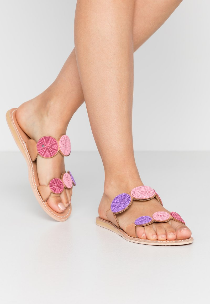 laidbacklondon - SANI FLAT - Mules - light brown/rose