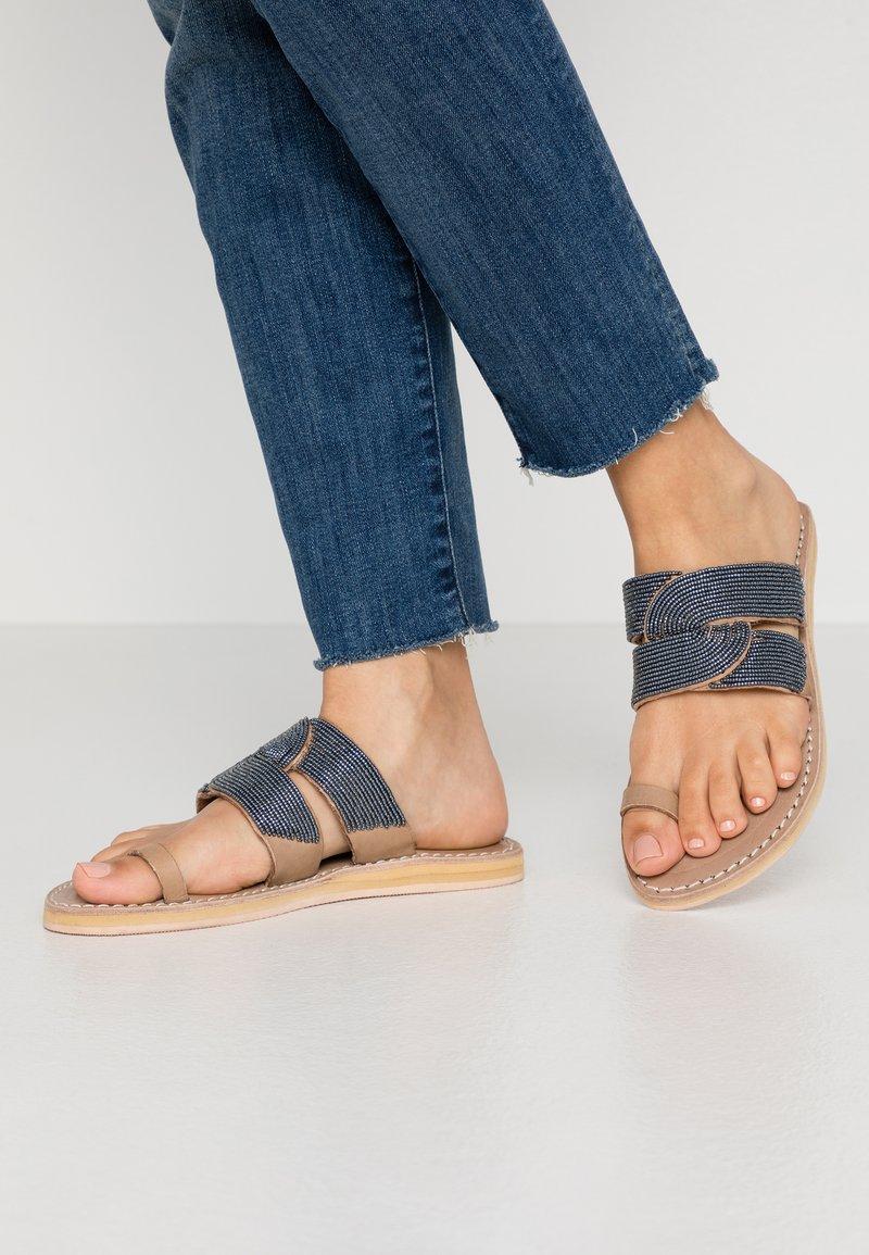 laidbacklondon - WASINI  - T-bar sandals - tan/gun metal