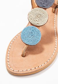 laidbacklondon - ISKO FLAT - T-bar sandals - light brown/aqua - 2