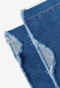 LMTD - Flared Jeans - medium blue denim - 3