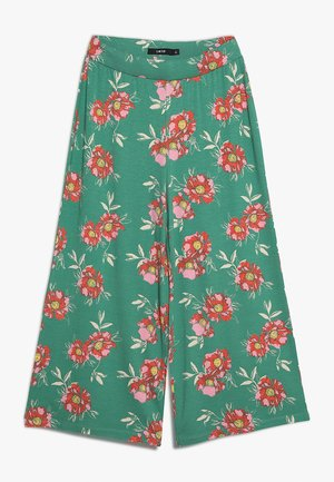 NLFHARMONY  WIDE PANT - Trousers - leprechaun