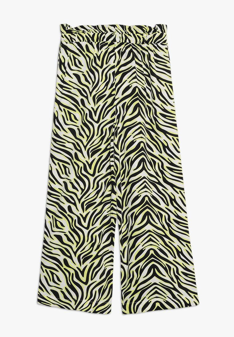 LMTD - NLFHELLE WIDE PANTS - Trousers - snow white