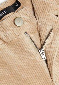 LMTD - MIT WEITEM BEIN HIGH WAIST CORD - Pantalones - brown - 3