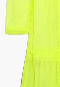 LMTD - NLFHARISSA DRESS - Freizeitkleid - safety yellow - 3