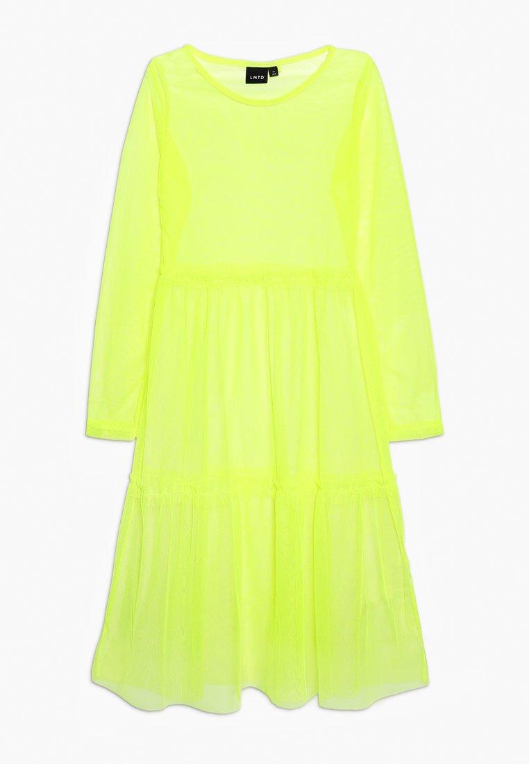 LMTD - NLFHARISSA DRESS - Freizeitkleid - safety yellow