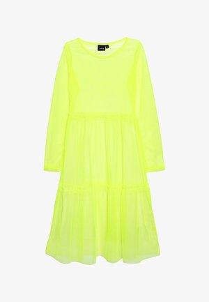NLFHARISSA DRESS - Freizeitkleid - safety yellow