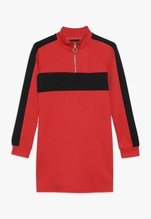 NLFLAMIA ZIP DRESS - Jerseyklänning - poppy red/black