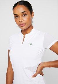 Lacoste Sport - TENNIS  - T-shirt med print - white/black - 3