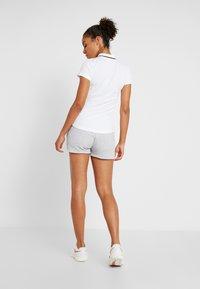 Lacoste Sport - WOMEN TENNIS SHORT - Träningsshorts - silver chine - 2