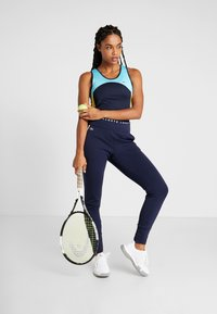 Lacoste Sport - TENNIS PANT - Trainingsbroek - navy blue/white - 1
