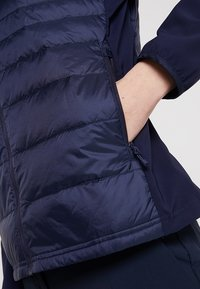 Lacoste Sport - Gewatteerde jas - navy blue - 6