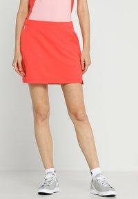 Lacoste Sport - CLASSIC GOLF PERFORMANCE SKIRT - Sports skirt - mango tree red - 0