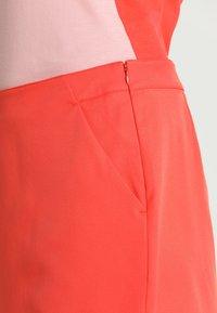 Lacoste Sport - CLASSIC GOLF PERFORMANCE SKIRT - Sports skirt - mango tree red - 3