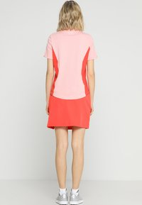 Lacoste Sport - CLASSIC GOLF PERFORMANCE SKIRT - Sports skirt - mango tree red - 2