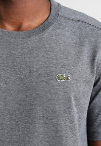 Lacoste Sport - HERREN T-SHIRT - T-shirt - bas - pitch - 3