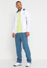 Lacoste Sport - HERREN T-SHIRT - T-shirt - bas - limeira - 1