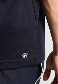 Lacoste Sport - CLASSIC - Camiseta básica - navy blue - 4