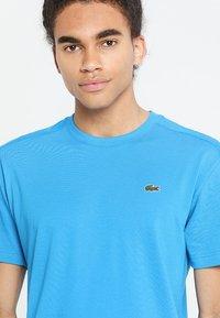 Lacoste Sport - CLASSIC - Camiseta básica - light blue/blue - 3