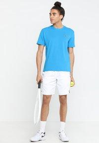 Lacoste Sport - CLASSIC - Camiseta básica - light blue/blue - 1