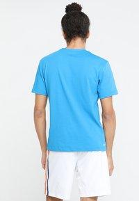 Lacoste Sport - CLASSIC - Camiseta básica - light blue/blue - 2