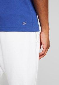 Lacoste Sport - CLASSIC - Camiseta básica - blue - 5
