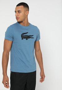 Lacoste Sport - BIG LOGO - T-shirt med print - neottia/black - 0