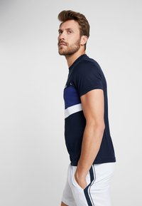 Lacoste Sport - TENNIS - T-Shirt print - navy blue/ocean/white - 3