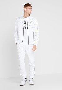 Lacoste Sport - GRAPHIC - T-shirt med print - white/black - 1