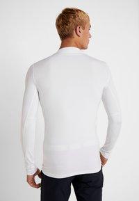 Lacoste Sport - UNDERLAYER - Sports shirt - white - 2