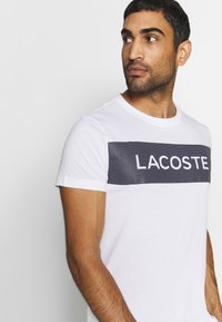 Lacoste Sport - LOGO  - Print T-shirt - white/navy blue - 3