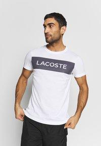 Lacoste Sport - LOGO  - Print T-shirt - white/navy blue - 0