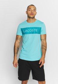 Lacoste Sport - LOGO  - Print T-shirt - haiti blue/cuba - 0