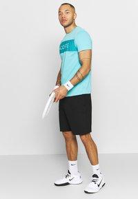 Lacoste Sport - LOGO  - Print T-shirt - haiti blue/cuba - 1