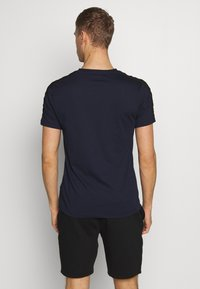 Lacoste Sport - TAPERED - T-shirts med print - navy blue/black - 2