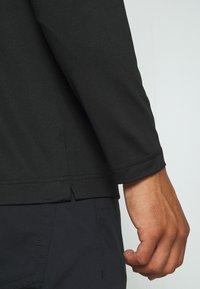 Lacoste Sport - T-shirt de sport - black/white - 5
