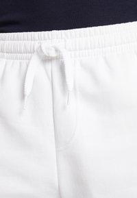 Lacoste Sport - MEN TENNIS SHORT - Sports shorts - white - 3