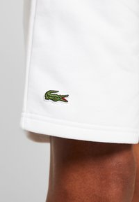 Lacoste Sport - MEN TENNIS SHORT - Sports shorts - white - 6
