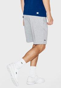 Lacoste Sport - MEN TENNIS SHORT - Sports shorts - argent chine - 2