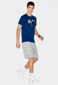 Lacoste Sport - MEN TENNIS SHORT - Sports shorts - argent chine - 1
