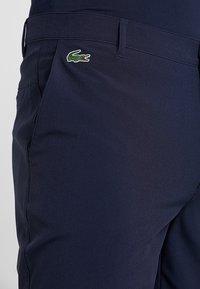 Lacoste Sport - GOLF BERMUDA SHORT - Pantalón corto de deporte - navy blue - 4
