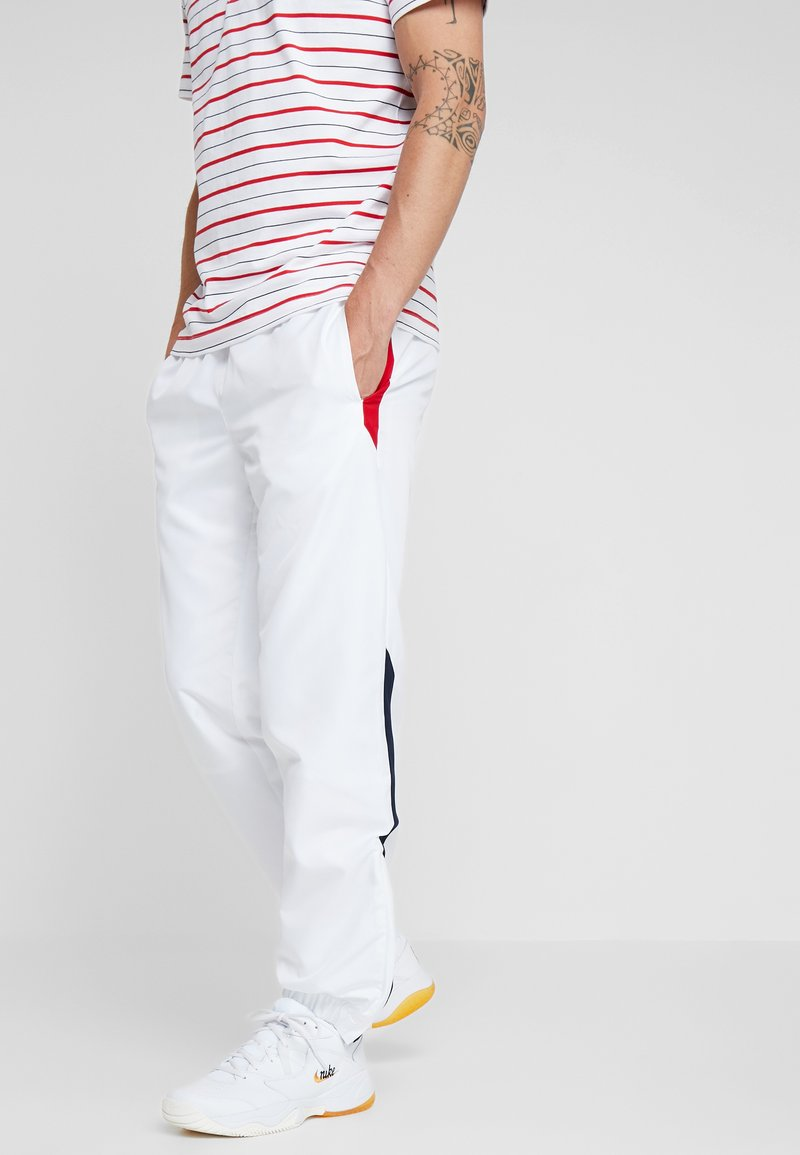 Lacoste Sport - PANT - Träningsbyxor - white/red/navy blue