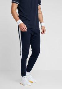 Lacoste Sport - Jogginghose - navy blue/white ocean - 0