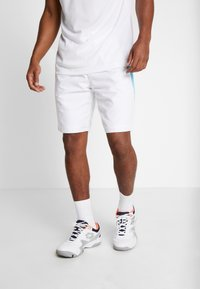 Lacoste Sport - TENNIS - Sports shorts - white/obscurity haiti/blue lemon - 0