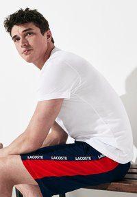 Lacoste Sport - Shorts - navy blue/red/white - 3