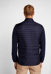 Lacoste Sport - Bunda zprachového peří - navy blue/white - 2