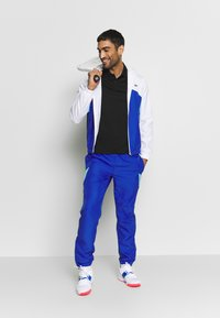Lacoste Sport - TRACKSUIT HOODED SET - Tracksuit - white/obscurity/navy blue/haiti blue - 4