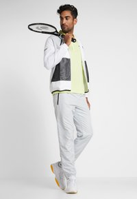 Lacoste Sport - TRACKSUIT HOODED - Träningsset - white/black - 1